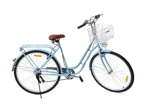 Bicicleta de paseo vintage con cesta