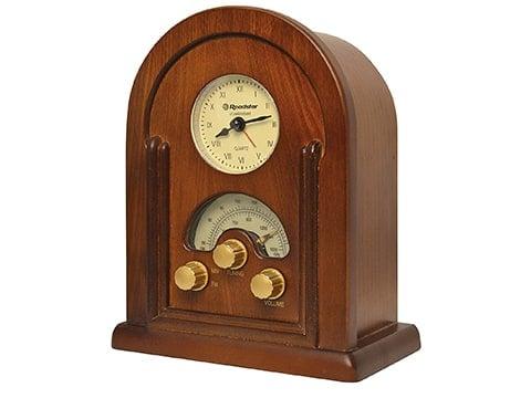 Radio de madera estilo antiguo