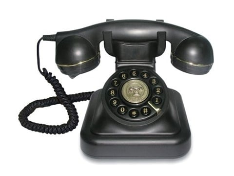 Teléfono antiguo de rueda negro