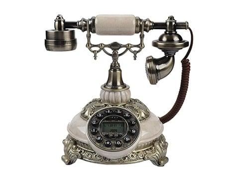 Teléfono de época blanco