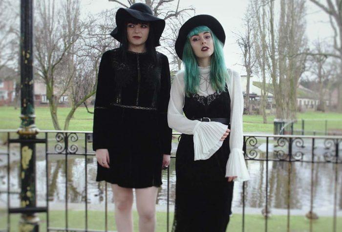 Looks vintage para crear un estilo gótico