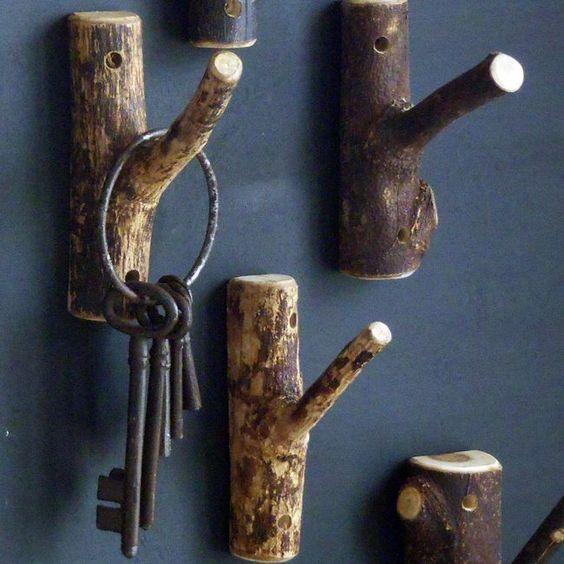Colgador de llaves vintage con ramas de árbol