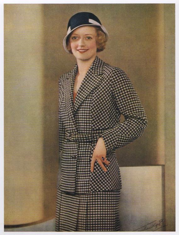 Traje deportivo para dama de los años 30 con chaqueta de cuadros blancos y negros